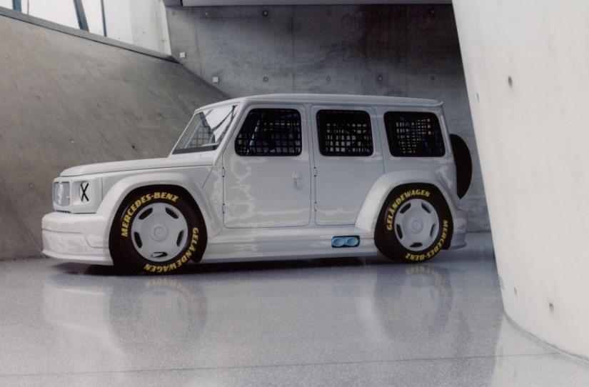 Классический Mercedes-Benz G-Class превратили в арт-кар