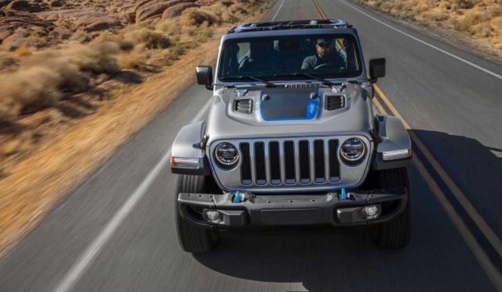 Jeep рассказал сколько км проедет Wrangler 4xe на электротяге