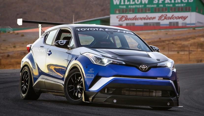 Маленький кроссовер Toyota CH-R оснастили 600-сильным мотором