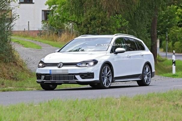 VW Golf рассекретился до премьеры