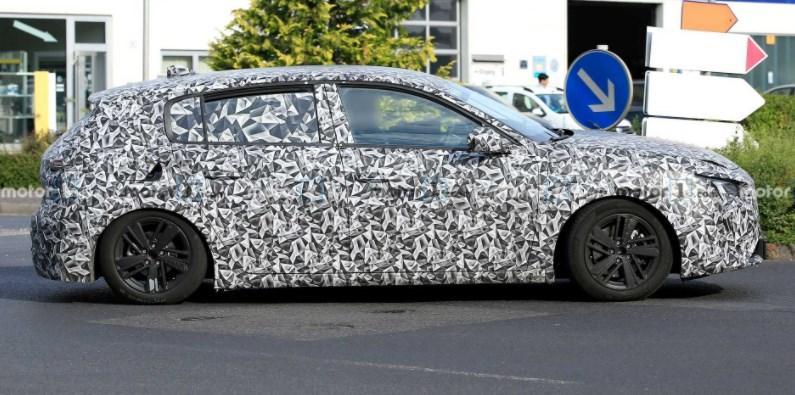 Новый Peugeot 308 замечен на дорогах Европы